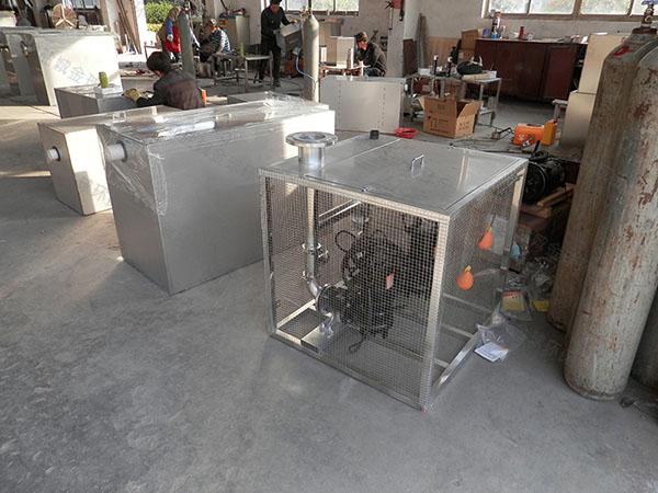 饭馆中小型全自动智能型废水隔油器的作法